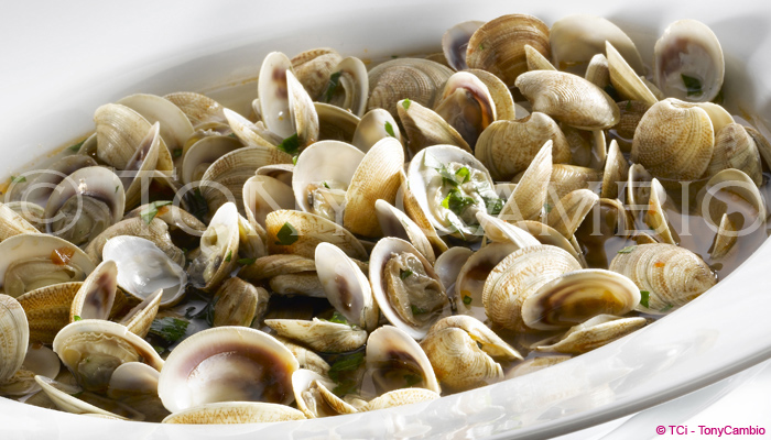 A bowl of cooked Clams