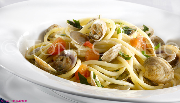 A bowl of Spaghetti Vongole